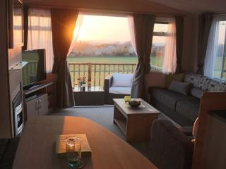 Luxury Farm Holiday Home -Tranquil Snowdonia