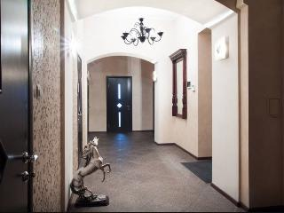 VIP. 4 separate bedrooms. Center, Lviv