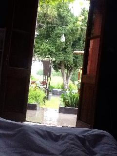 Its raining, i better stay..