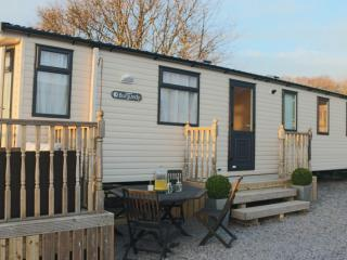 Luxury Tranquil Snowdonia with Cosy BBQ Hut available