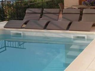 Cannes-Mandelieu Villa, secure pool, Mandelieu-la-Napoule