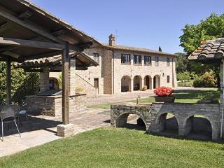 Casale del Colle Sleeps 12, Perugia