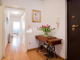 Catto' s Apartment, Split