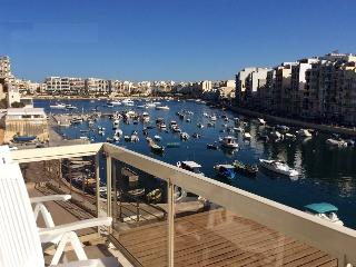 Seafront flat, Spinola Bay, Saint Julian