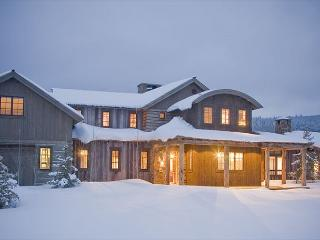 Beautiful Custom Home on 5 Acres Close To National Forest