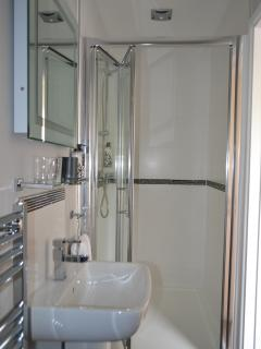 Shower ensuite in 2nd Bedroom