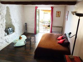 Lovely studio old town, balcony/Wifi beach 5mn, Niza