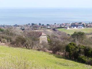 MOONLIGHT BAY APARTMENT, romantic, garden, pet-friendly, WiFi, near Fairlight