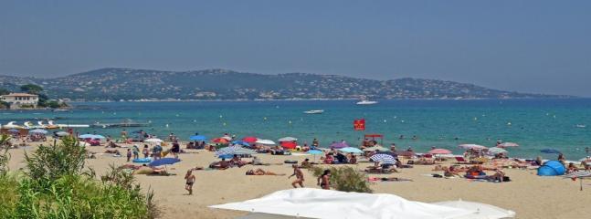 Public beach - Plage de la Nartelle