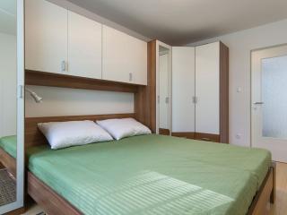 Apartment MIKA - bedroom