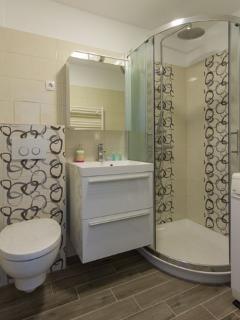 Apartment MIKA - bathroom