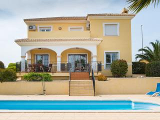 Stunning 5 Bed Residence in Bonalba