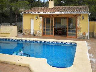 Villa with mountain views and pool, Orba