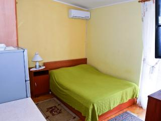 Vida 1 for 2 with air conditioning and WiFi, Makarska
