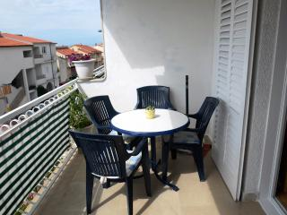 Vida 2 for 3 with WiFi in Makarska