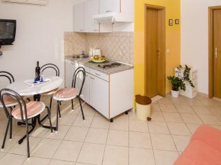 Dalmatina - Apartment A2