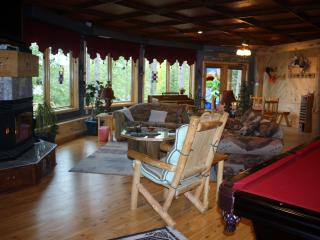 WATERFRONT LODGING AND TREE HOUSE SPA FOR ADULTS, Squaw Lake