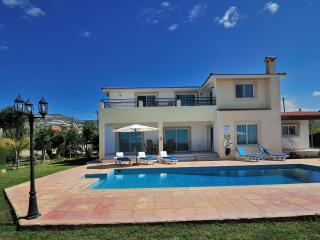 Villa Bella Katerina, Exceptional 4 bedroom villa, Pafos