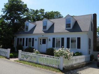112 South Summer Street Edgartown, MA, 02539
