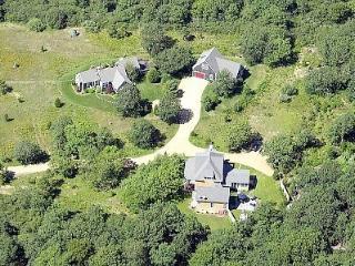 23 Jennie Lane, #Guest House Edgartown, MA, 02539
