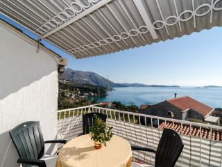 Apartments Kisic - Two-Bedroom Apartment with Balcony and Sea View, Mlini