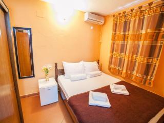 Private Accommodation Ivanović - Single Room 4, Budva
