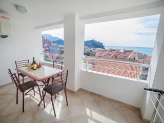 Apartments Ivan - Comfort Two Bedroom Apartment with Balcony and Sea View, Petrovac