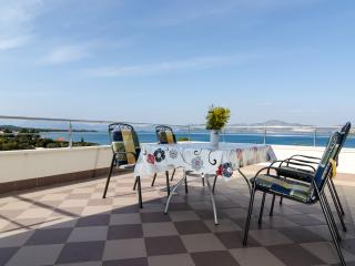 Apartments Gusti - Two-Bedroom Apartment with Balcony and Sea View, Peljesac Peninsula
