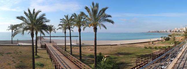 Playa frente el apartamento, Els Terrers