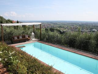 Beautiful 19th century farmhouse Montecatini Terme with private pool