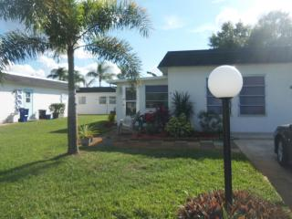 LEHIGH ACRES VACATION RENTAL FORT MYERS AREA 2/2, Lehigh Acres