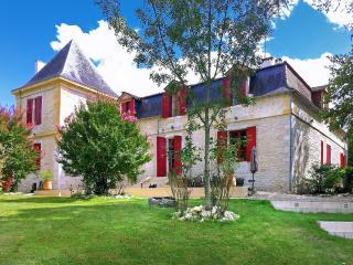 Chateau Le Maurin Estate, Port Sainte Foy et Ponchapt