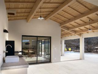 Contemporary Provencal villa, Malaucène