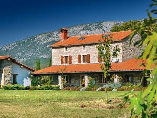 Villa Sisi, Krsan