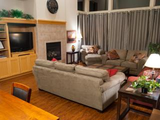 New Furniture/Flooring, Wifi, BBQ, Bikes, dogs Yes, Redmond