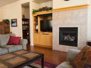 Great Room - Fireplace, Flatscreen TV with surround sound, board games, DVD's