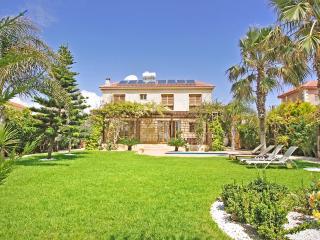 Villa Fusca, Liopetri