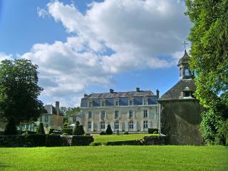 Chateau Perreault, Saint-Denis-sur-Sarthon