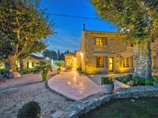 Mas Auralina, Amazing St Remy Rental Home with a Pool, St-Rémy-de-Provence