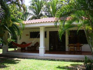 Tropical Oasis Villas: Casa Tucan, Playa Samara