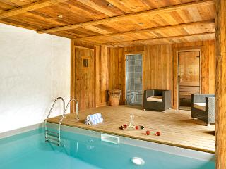 5 bedroom Chalet in Les Bossons, Auvergne-Rhône-Alpes, France : ref 5669447