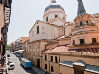PLAZA MAYOR Historic Center Madrid 5 bedrooms wifi