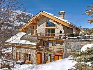 4 bedroom Chalet in Mussillon, Auvergne-Rhône-Alpes, France : ref 5696498