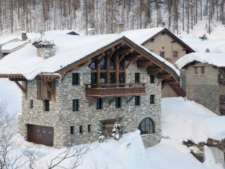 5 bedroom Chalet in Le Fornet, Auvergne-Rhone-Alpes, France : ref 5689281