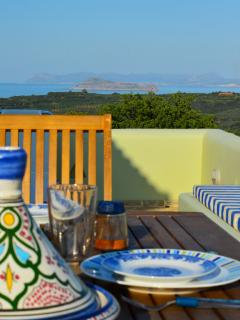 Studio with amazing sea and mountain view,ideal for couples,surrounded by nature