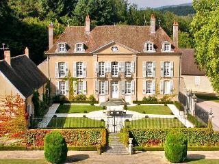 Château De Villes, Poil