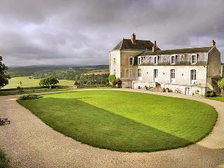 Chateau De Malley, Neuvy-le-Barrois