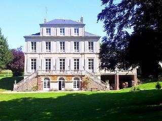 Chateau De Macque