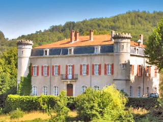 Chateau De Bouji And Gites, Chomerac