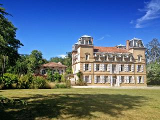 Chateau Ariege Estate, Saint-Ybars